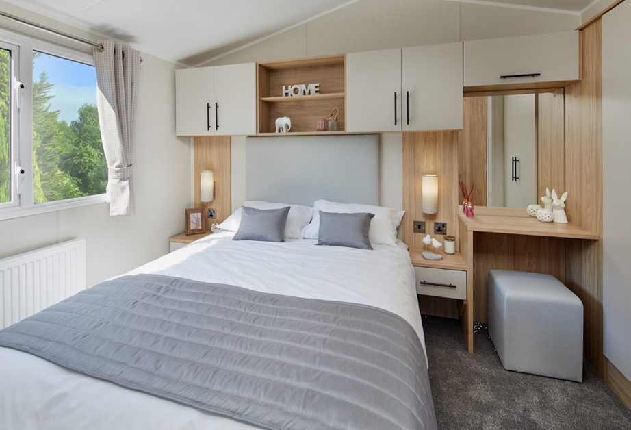 2020 Willerby Manor holiday home bedroom