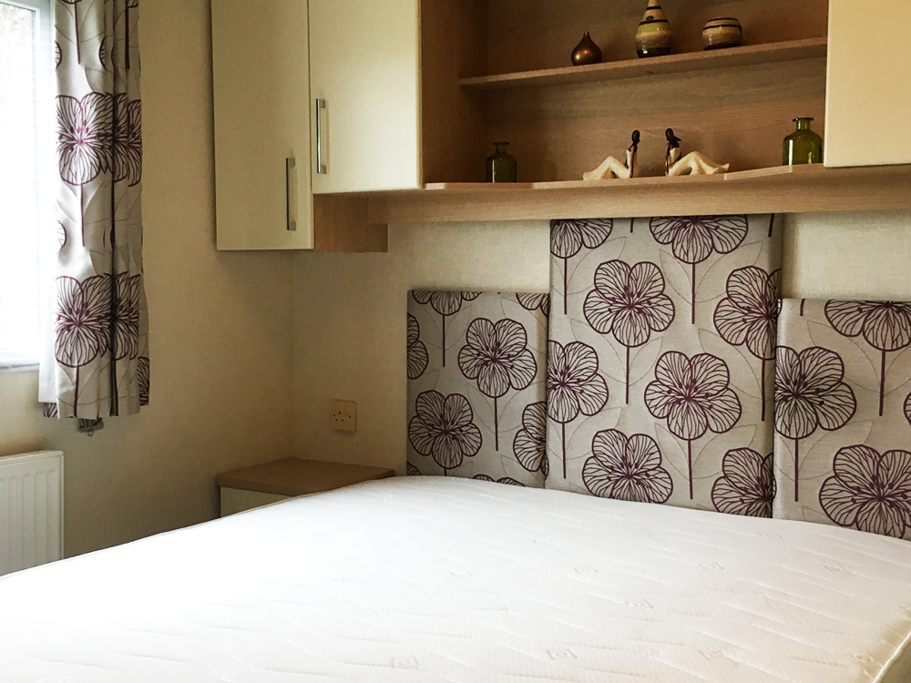 double bed in a Willerby Sierra holiday home